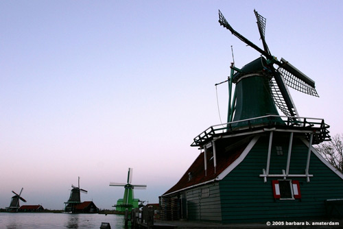 Tulip Tours Holland: visit beautiful mills at the open-air museum the Zaanse Schans