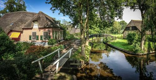Visit Giethoorn with Ship Josefien
